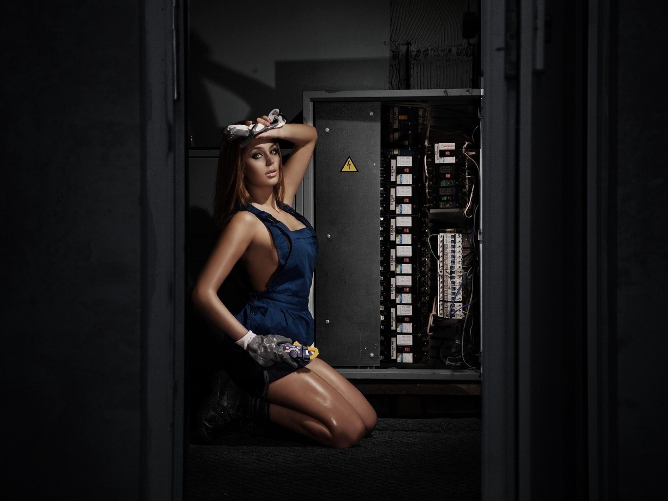 Частный электрик— женщина?